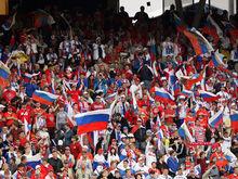 УЕФА условно дисквалифицировал Россию до конца Евро-2016: что натворили фанаты?