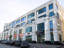 В Екатеринбурге неизвестный собственник продает элитный торгово-офисный центр за 440 млн