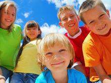 Страховщики напоминают родителям о страховании детей на время пребывания в лагере