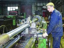 На создание центров обучения рабочим профессиям из бюджета выделят 900 млн рублей