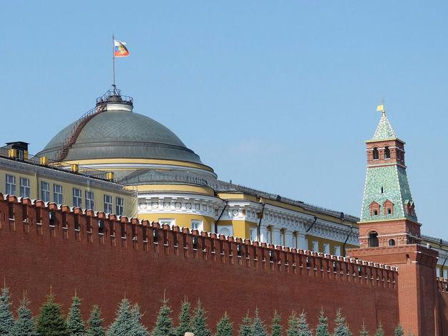 Массовые перестановки во власти: кого и куда пересадил Путин за один день?