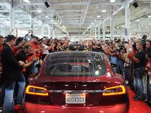 Tesla и современный мир: почему у электрокара почти нет шансов?