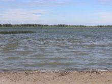 Роспотребнадзор подтвердил наличие вредных веществ в воде на 7 пляжах Челябинска