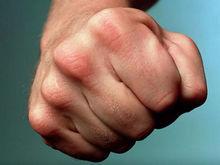 Возле «Антея» трое неизвестных жестоко избили две супружеские пары