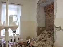 Мэрия Красноярска не может продать самую старую больницу города