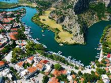 Российским туристам могут разрешить платить рублями на курортах Турции