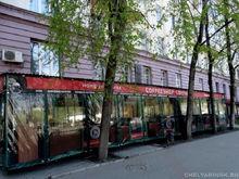 Владельца венской кофейни оштрафовали за летник возле памятника культуры