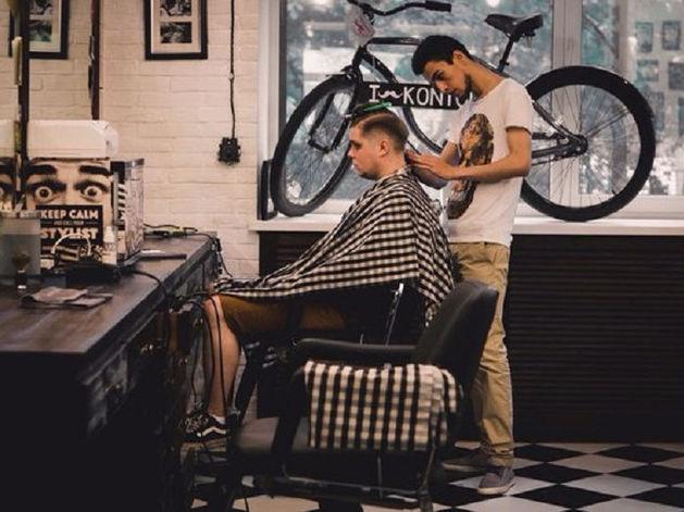 «Все в голос говорили: «Мужская парикмахерская — утопия. Салоны зарабатывают на женщинах»
