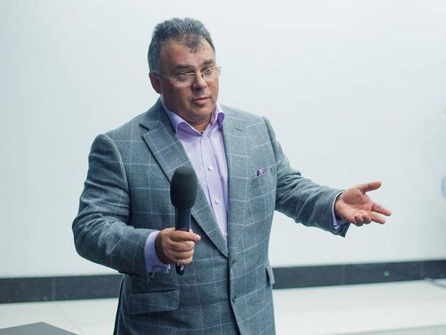 Тимур Горяев: Взрослые люди в очень дорогих галстуках — и на полном серьезе несут ахинею
