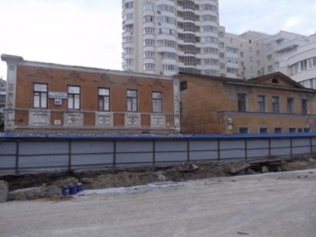 «Сохранность объекта составляет 7%». Старый особняк на Вайнера продают за 10 млн руб.