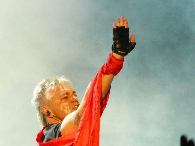 «Сдавайте билеты»: Константин Кинчев в Екатеринбург не приедет