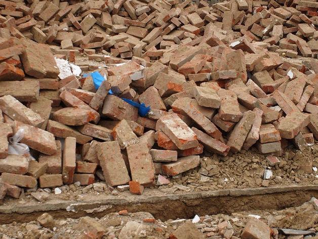 В Горном Щите ухнувшая кирпичная стена придавила двух рабочих