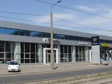 В Казани на продажу выставили автосалон «Делфо-авто»