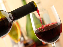 На троих: эксперты DK.RU о влиянии пьянства на продажи алкоголя