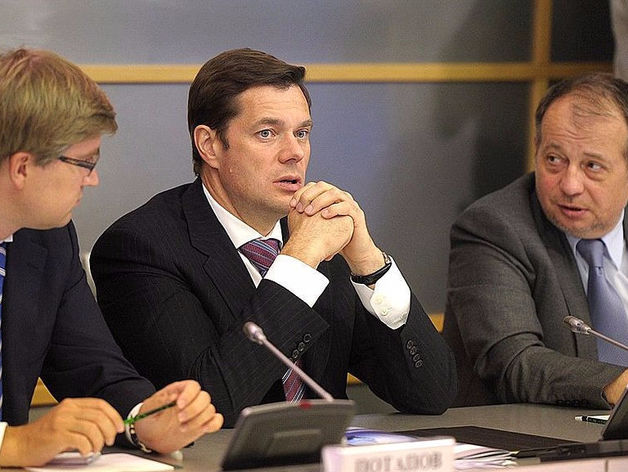 Алексей Мордашов (в центре)