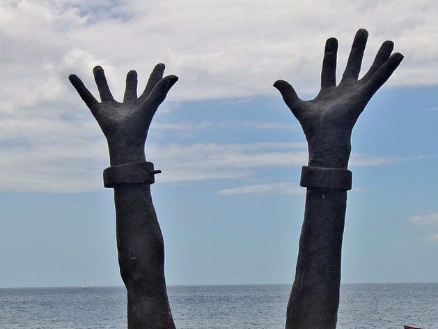 Покупатели людей: как устроена система трудового рабства в России