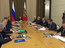 Топа «Роскосмоса» обвинили в мошенничестве, обновление внешней политики и другие темы дня