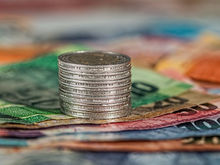 «За трату ваших денег отвечает огромная индустрия», — есть ли шанс сэкономить в России