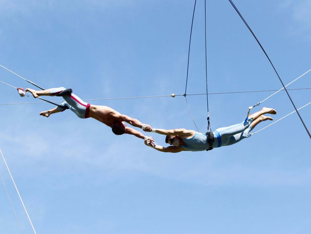 «Нельзя пойти в цирк и попроситься полетать», — как сделать бизнес на воздухе