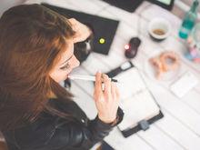 Почему молодые женщины занижают свои карьерные цели рядом с мужчинами