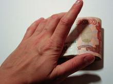 Запрет на зарплаты наличными: почему правительство хочет отучить россиян от кэша