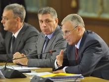 «Где ручка за 36 млн рублей?». Обвиняемый во взятках экс-губернатор не нашел вещдоков вины