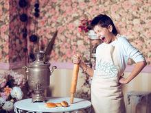 Визажисты, мимы, спектакли, супер-герои: как новосибирские компании поздравляют сотрудниц