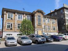 В центре Новосибирска продается трехэтажное здание с арендаторами