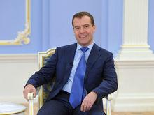 Медведев предложил бизнесу налоговые льготы в обмен на инвестиции. И удивил всех