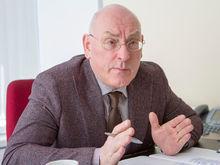Андрей Бриль: «Формально, Аксенова надо сажать за призывы восстановить монархию»