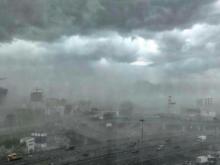 Ураган в Москве: 11 погибших, сотни поваленных деревьев и упавшие краны