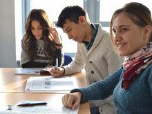 Зарплаты молодых специалистов оказались наполовину ниже ожиданий. На что им рассчитывать?