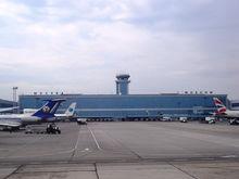 «Уходят гурьбой: зарплаты в два раза выше». Российские пилоты массово уезжают за границу