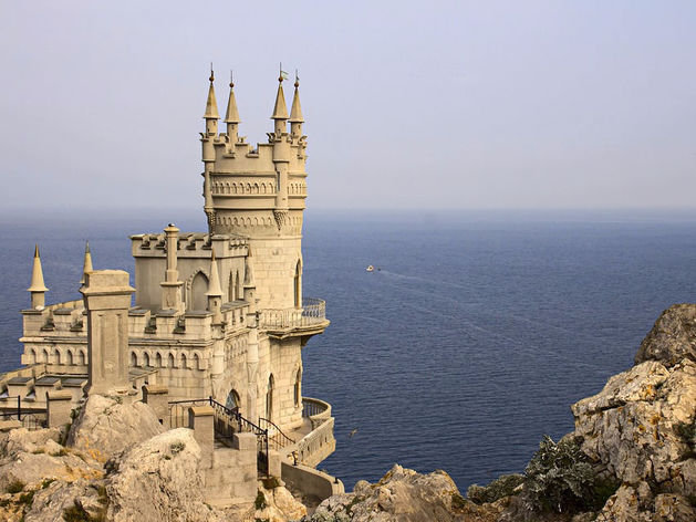 Россияне переболели Крымом: плохая погода и спрос на заграницу ударили по местным курортам