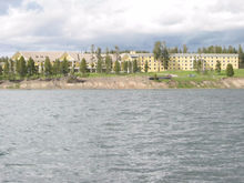 Застройщика обязали снести гостиницу на озере Кисегач
