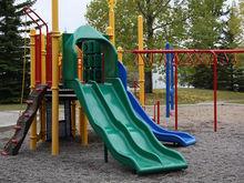 Три застройщика благоустроят территории 99 домов в Новосибирске