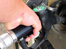В Красноярске проверили 200 АЗС: на каждой четвертой нашли некачественный бензин