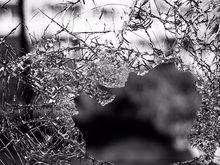 В Челябинске неизвестные ночью разбили окно штаба Алексея Навального