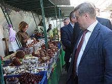 Мэр попросил владельца Центрального рынка благоустроить торговую территорию