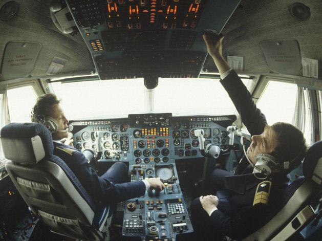 Усиление дефицита и отток кадров: Росавиация грозит лишить лицензии тысячи пилотов
