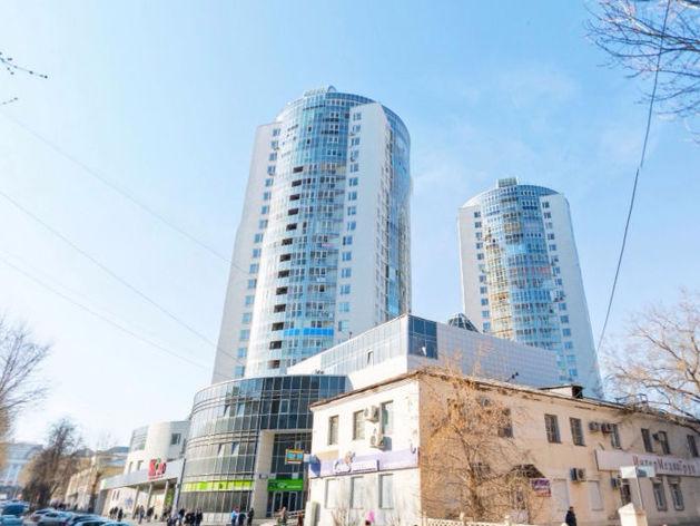 В Екатеринбурге жильцы элитных домов воюют с управляющей компанией