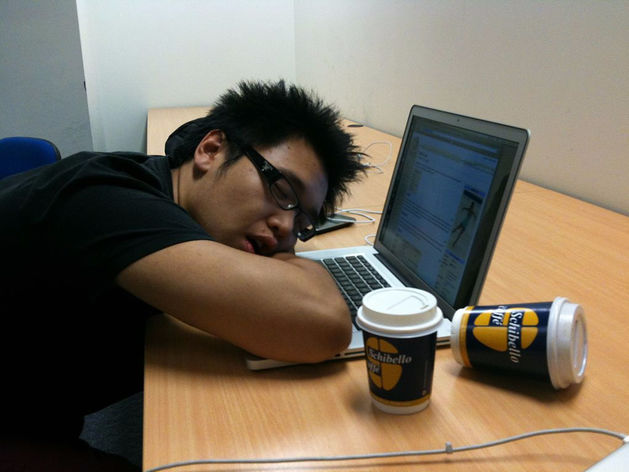 Очень дорогой сон: работодатели теряют миллиарды из-за недосыпающих сотрудников