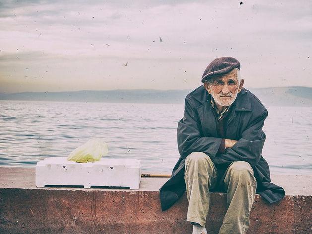 Осчастливить надо единственного человека в жизни — 80-летнего себя. Почему?