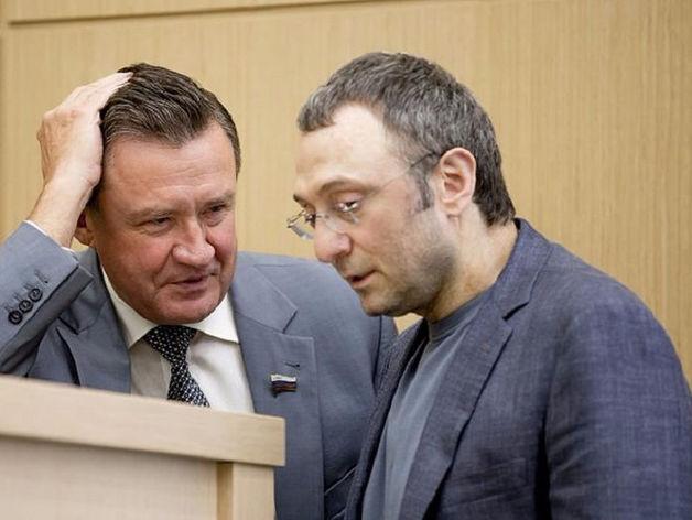 Сулейман Керимов (справа)