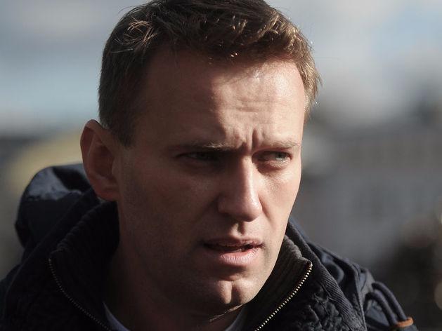 «Не пустите нас на выборы — мы устроим забастовку». Навального выдвинули в президенты