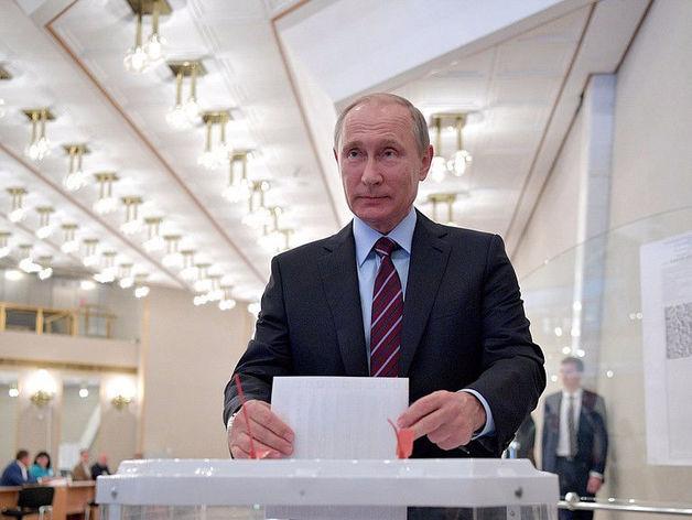 «Без «подарков» он обычно не приезжает». Путин устроит предвыборное турне по регионам