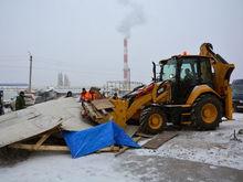 В Ростове на Темернике начался снос незаконно установленных ларьков