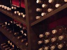 8,5 тыс. за бутылку: в центре Новосибирска открылся винный бар с магазином