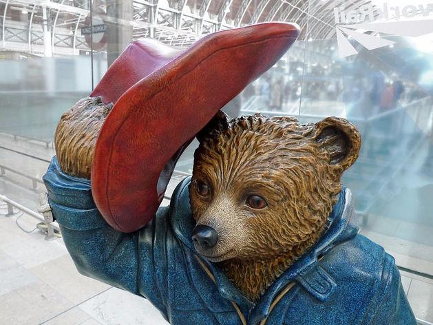 Медвежонок из мульфильма «Приключения Паддингтона»
