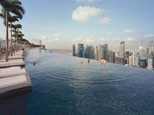 На крыше небоскреба в Екатеринбурге появится открытый бассейн, как в Сингапуре